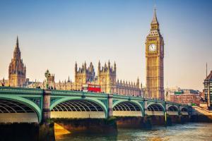 """למזמינים היום – 20% הנחה על טיסות WIZZ ללונדון, החל מ-413 ש""""ח"""