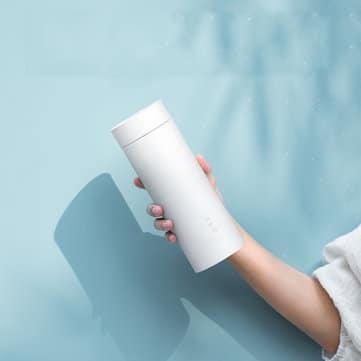 עוד מוצר מבריק של שיאומי עם קופון בלעדי! VIOMI YM-K0401 – תרמוס…קומקום! מים חמים בכל מקום – רק $23.99!