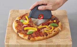 Joseph Joseph | גלגלת לחיתוך בצק ופיצה ב₪30 בלבד! במקום ₪75