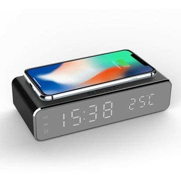 שעון מעורר דיגטלי + מדחום + מטען אלחוטי משולב ב$12.56