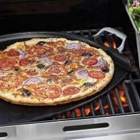 משטח Outset שהופך כל תנור ומנגל לטאבון מקצועי – ממש כמו במאפיה או בפיצריה – רק ב₪379 במקום ₪449